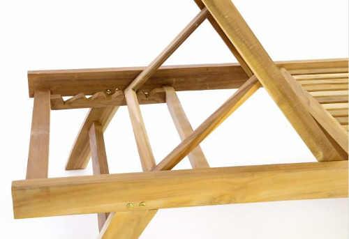 5 nastavitelných poloh dřevěného lehátka