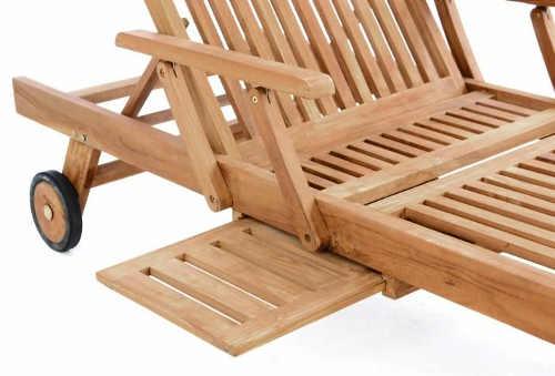 Dřevěné zahradní lehátko s odkládacím podnosem