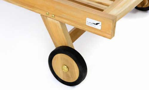 Kolečka dřevěného zahradního lehátka pro snažší manipulaci s ním
