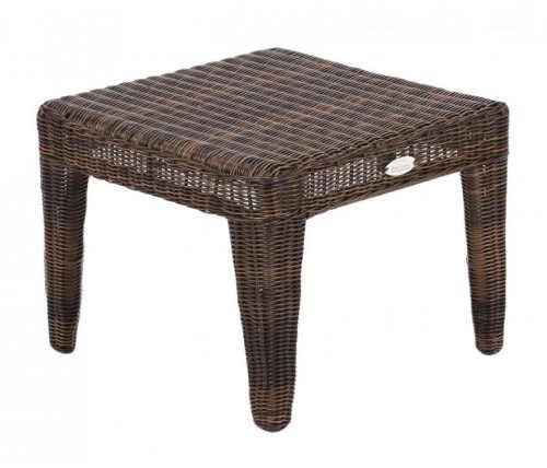 Malý zahradní stolek z hnědého umělého ratanu