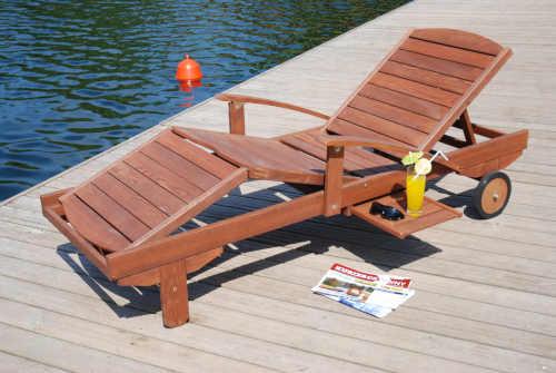 Dřevěné polohovatelné lehátko