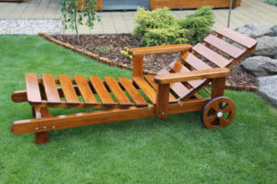 Zahradní polohovací lehátko z borovicového dřeva