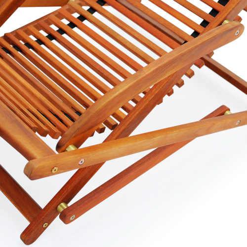 dřevěné lehátko v moderním designu